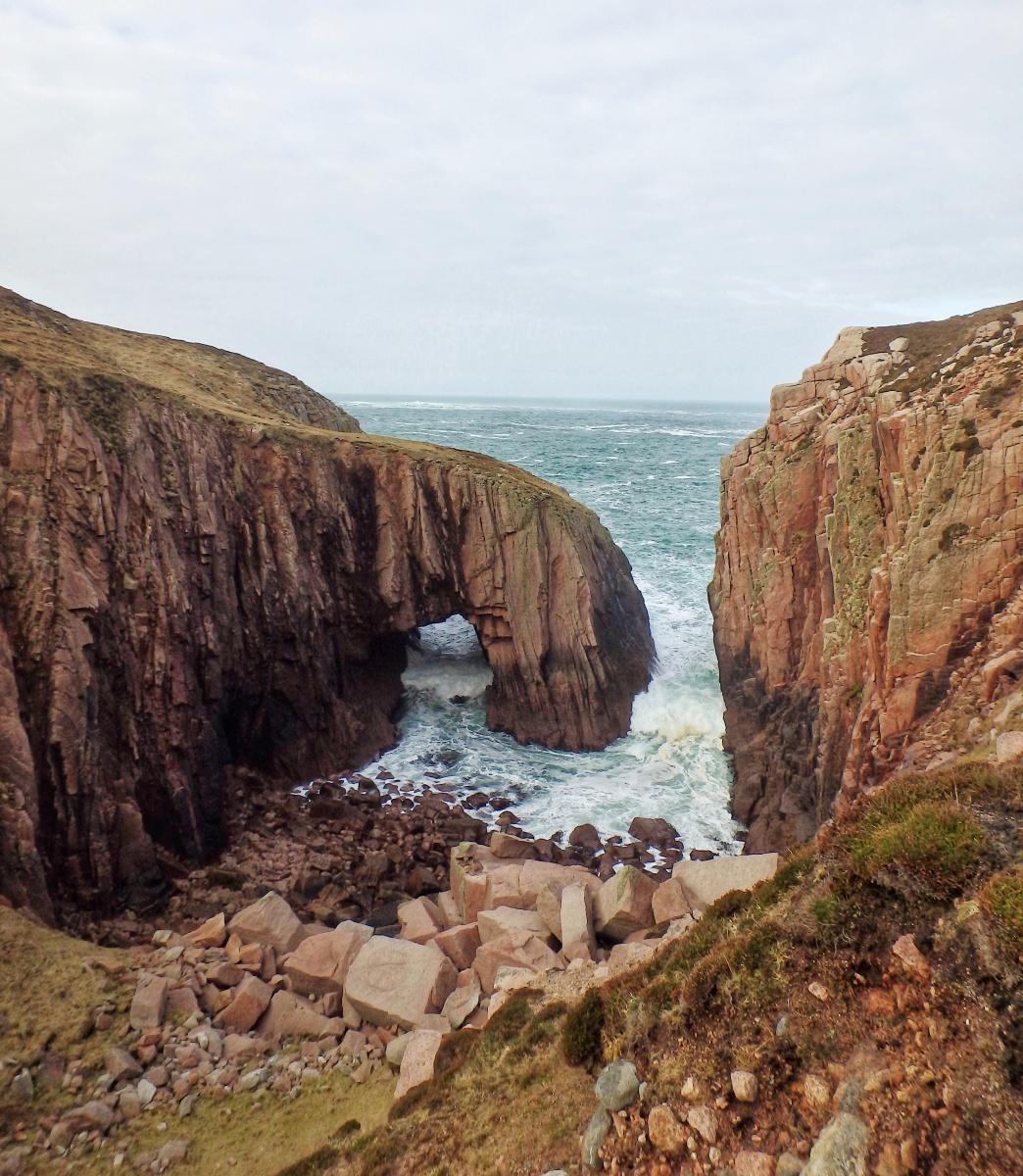 Gola Island Donegal sea arch Scoilt Ui Dhugain